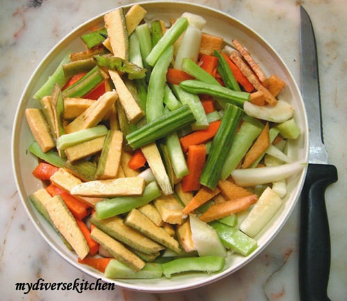 aviyal-mixed-vegetables-in-a-spicy-coconut-sauce